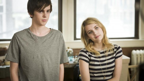 Freddie Highmore and Emma Roberts in The Art of Getting By