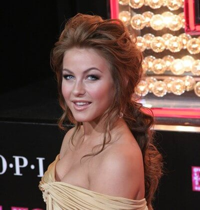 Julianne Hough is Dancing with the Stars' Fourth Judge