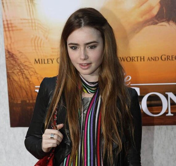 Lily Collins at 'The Last Song' Premiere