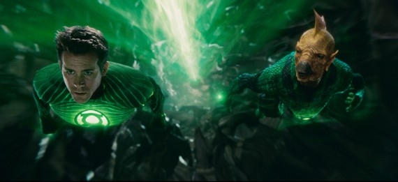 Ryan Reynolds and Tomar Re in Green Lantern