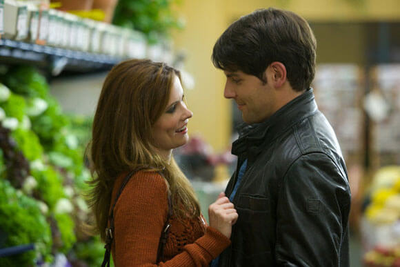 Bitsie Tulloch as Juliette Silverton, David Giuntoli as Nick Burkhardt in 'Grimm'