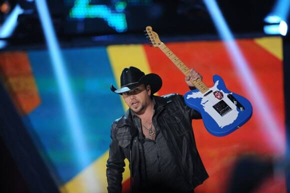 Jason Aldean wins the Artist of the Year Award at the AMERICAN COUNTRY AWARDS