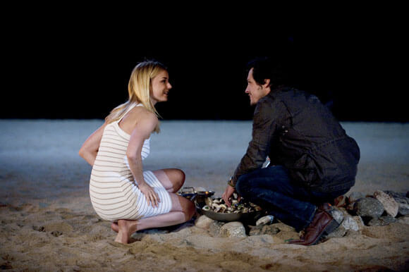 Emily VanCamp and Nick Wechsler in 'Revenge'