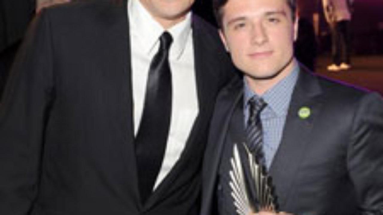 z kim Josh Hutcherson 2012 strona randkowa jelenia