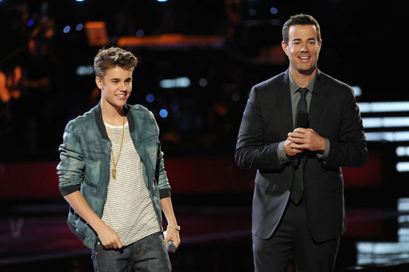 Justin Bieber and Carson Daly on 'The Voice'