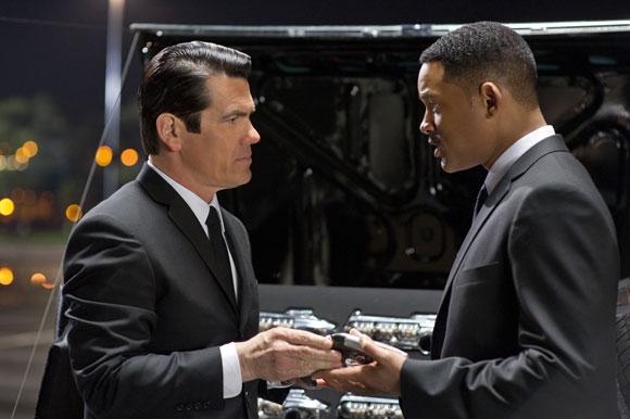 Josh Brolin and Will Smith in Men in Black 3