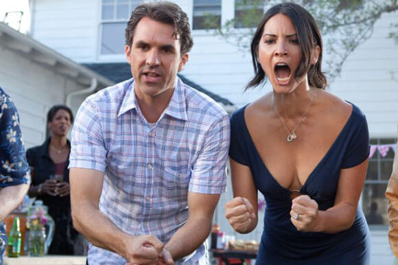 Paul Schneider and Olivia Munn in The Babymakers