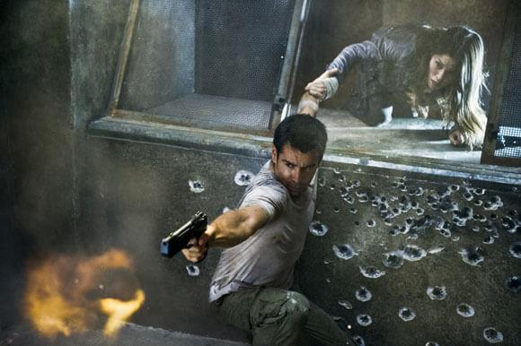Colin Farrell and Jessica Biel in Total Recall