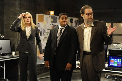 Anne Hathaway, Kenan Thompson, Bill Hader on SNL