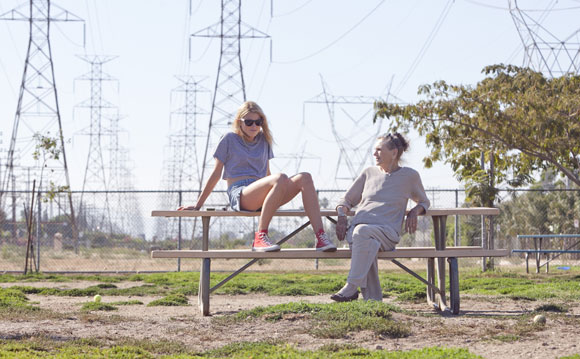 Dree Hemingway and Besedka Johnson in Starlet