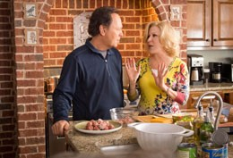 Billy Crystal and Bette Midler in Parental Guidance