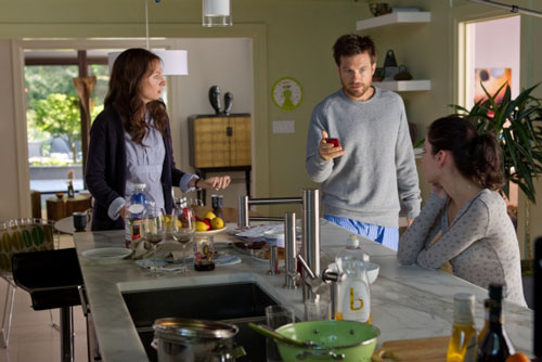 Jason Bateman, Hope Davis and Haley Ramm in Disconnect