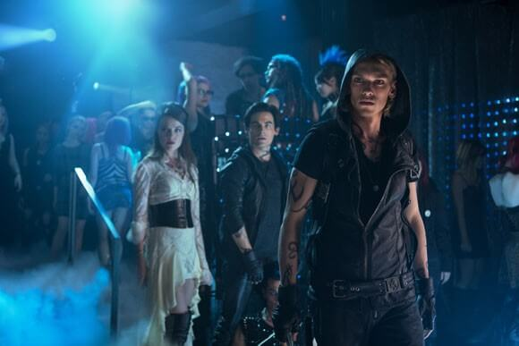 Jemina West, Kevin Zegers, Jamie Campbell Bower in Mortal Instruments