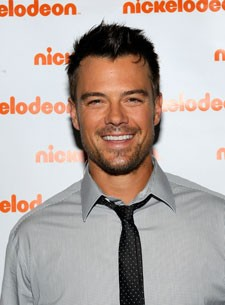 Josh Duhamel Hosts the Kids Choice Awards
