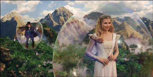 James Franco and Michelle Wiliams in Oz The Great and Powerful