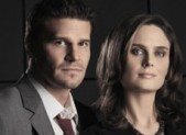 David Boreanaz and Emily Deschanel Bones Blu-Ray Contest