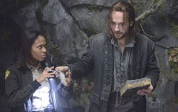 Nicole Beharie and Tom Mison in Sleepy Hollow