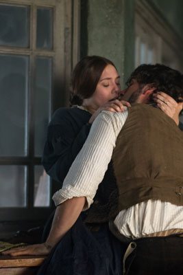 Elizabeth Olsen and Oscar Isaac in Therese
