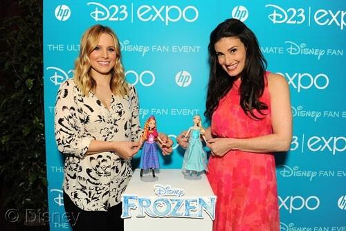 Kristen Bell and Idina Menzel Frozen Dolls