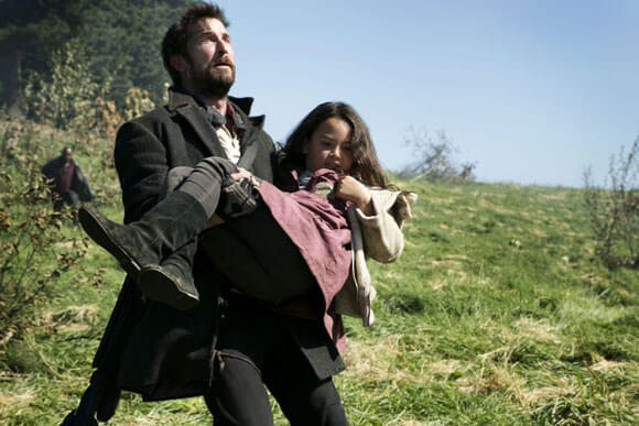 Noah Wyle in episode one of 'Falling Skies' season 4
