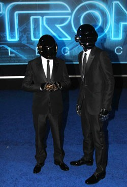 Daft Punk Performs on the 2014 Grammys