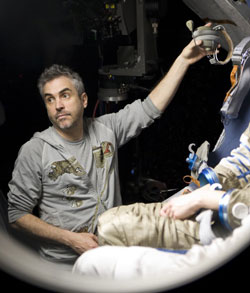 Alfonso Cuaron Wins DGA for Gravity