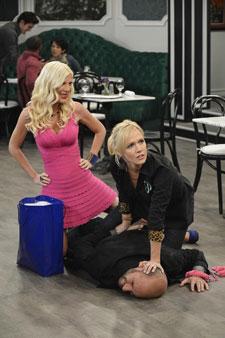 Tori Spelling and Jennie Garth star in 'Mystery Girls'