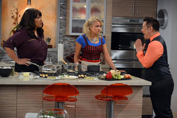 Kym Whitley, Emily Osment and Rex Lee in 'Young & Hungry'
