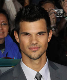 Taylor Lautner joins Scream Queens