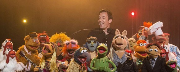 Jimmy Fallon and The Muppets Perform The Weight by The Band