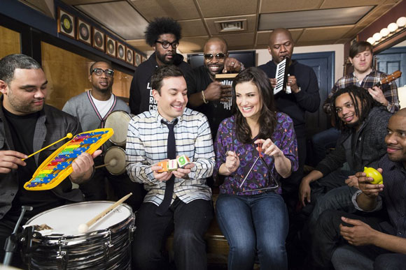 Idina Menzel, Jimmy Fallon and The Roots Perform Let It Go
