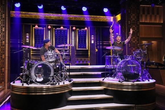 Chad Smith vs Will Ferrell Drum Battle