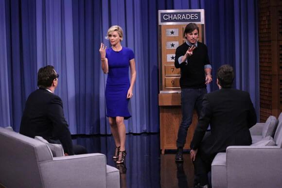Charlize Theron and Josh Hartnett Play Charades