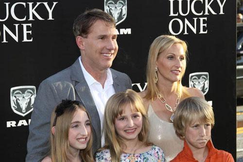 Nicholas Sparks Executive Produces 'Deliverance Creek'