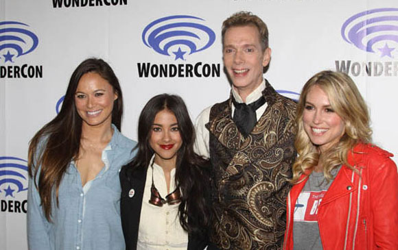 Moon Bloodgood and Seychelle Gabriel Falling Skies Interview