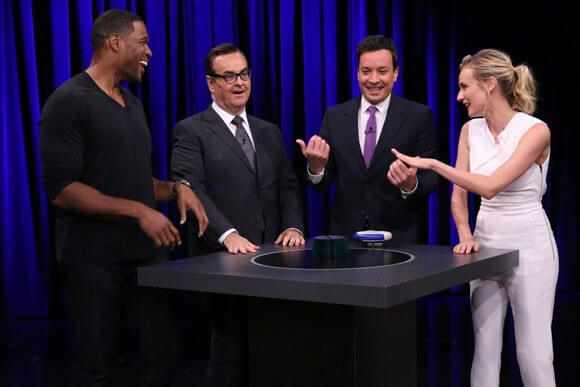 Diane Kruger and Michael Strahan Play Catchphrase
