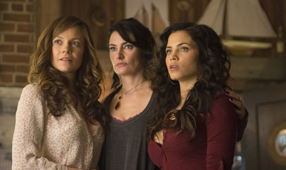 Witches Of East End Madchen Amick Interview Season 2
