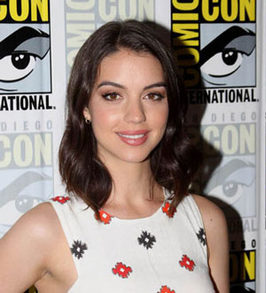 Adelaide Kane Reign Interview
