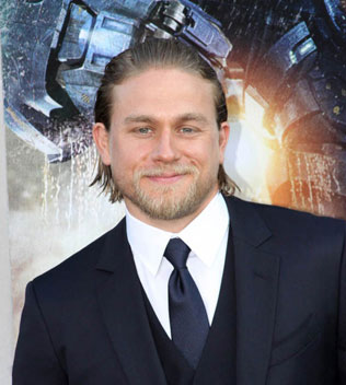 Charlie Hunnam Starts Work on King Arthur Film
