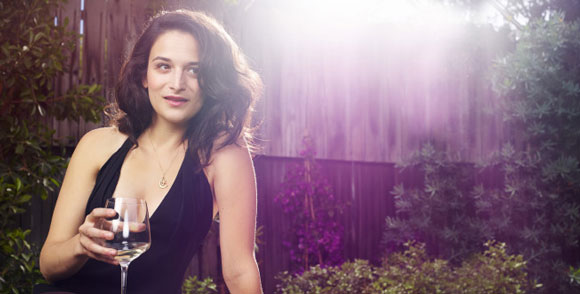 Jenny Slate and Ari Graynor Star in Road Trip Comedy Pilot
