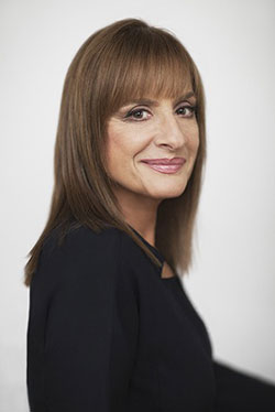 Patti LuPone Returns to Penny Dreadful