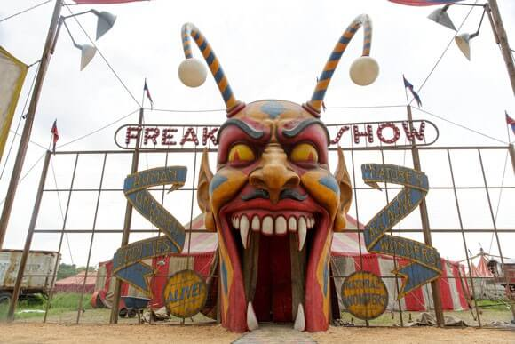 American Horror Story Freak Show Episode 1 Recap and Review