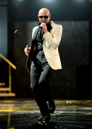 Pitbull Returns to Host the 2014 AMAs