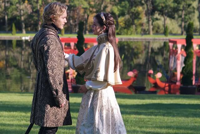 Reign Season 2 Episode 7 with Toby Regbo and Adelaide Kane