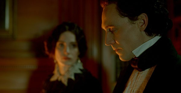 Crimson Peak New Trailer