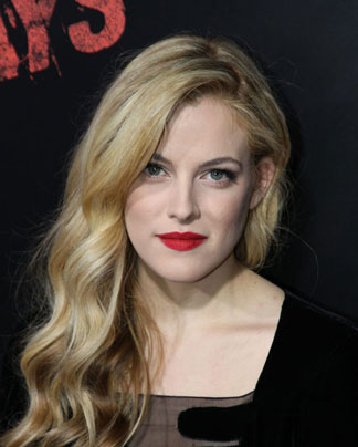 Riley Keough Smiling Photo on the Red Carpet