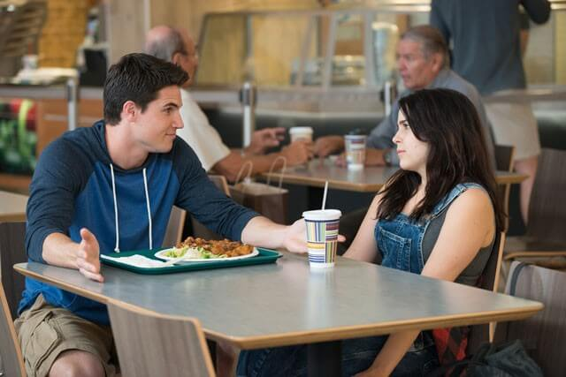 The Duff Robbie Amell and Mae Whitman