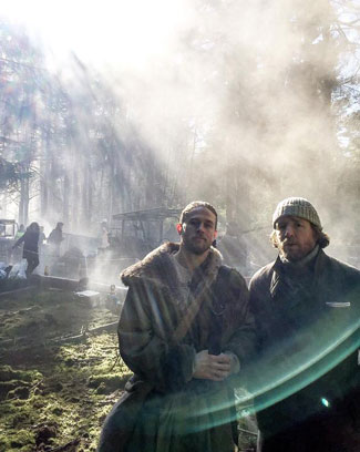 Charlie Hunnam on the Knights of the Round Table set