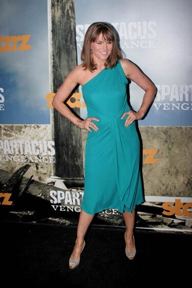 Lucy Lawless Joins Ash vs Evil Dead Series
