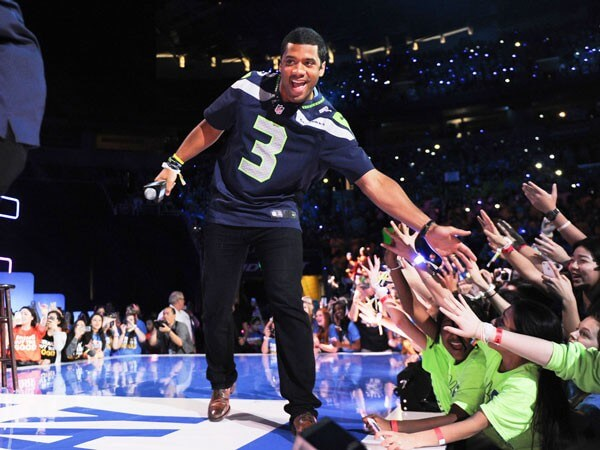 Russell Wilson to Host Kids' Choice Sports Awards